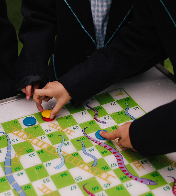 GametopTableSnakesandLadders Games