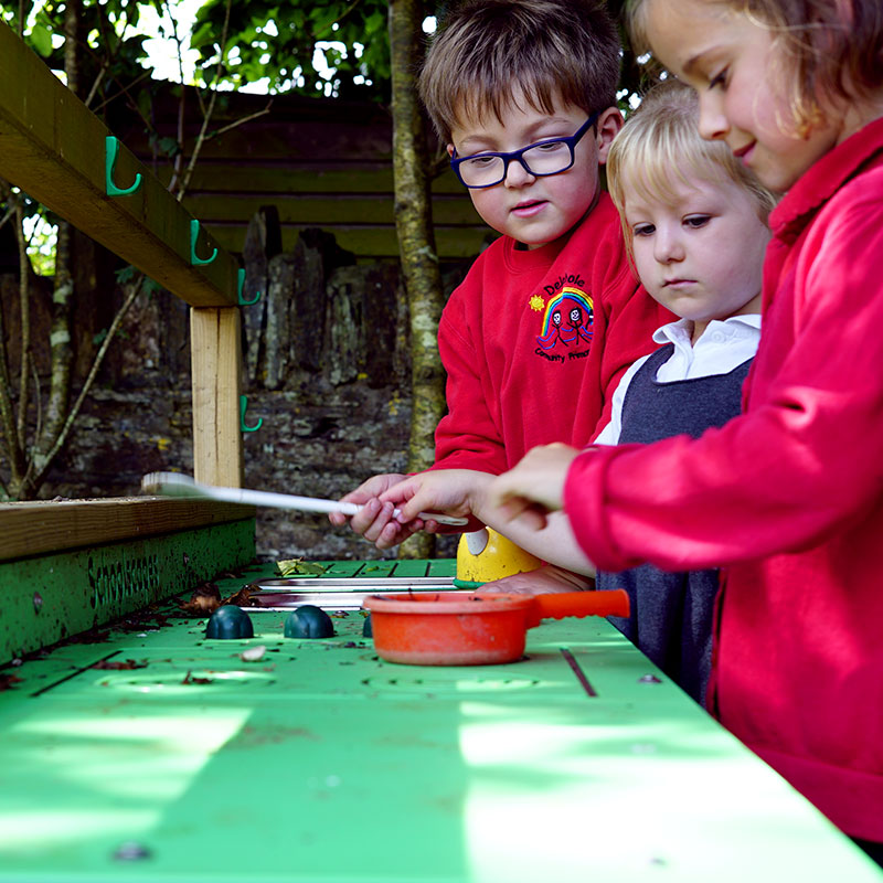 Delabole Nature Play - Mud Kitchen