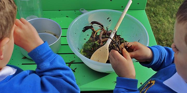 Mud Kitchen - Messy Play